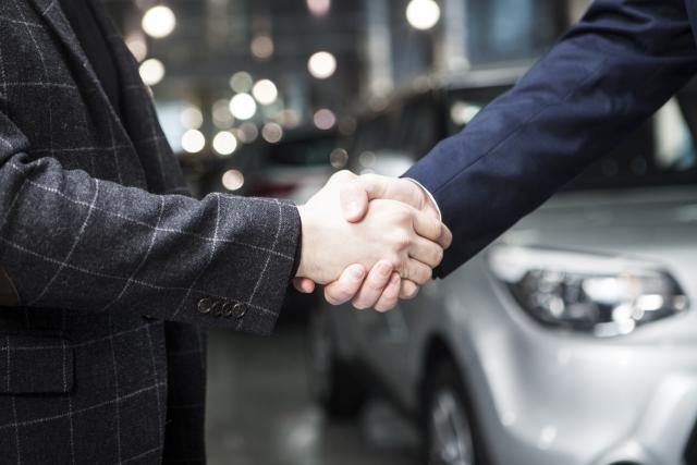 納車の握手